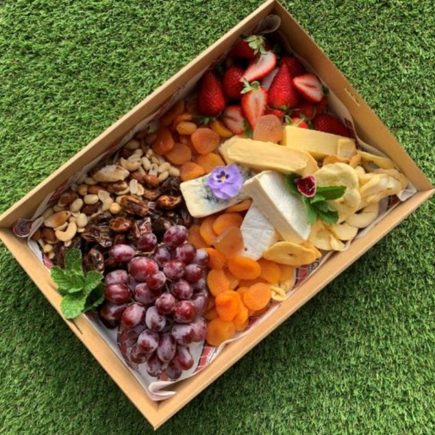 Gourmet cheese box + Fruit boxes